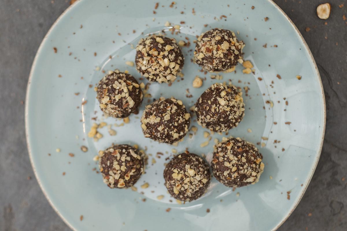 Trufas de Avelã ou uma espécie de Ferrero Rocher Saudável