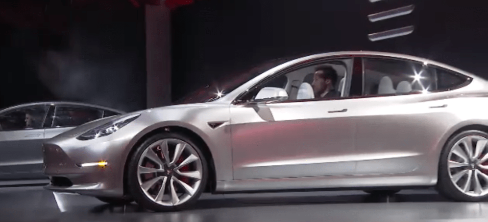 Tesla Model 3 Unveil 🔊 2016-03-31 22-55-29