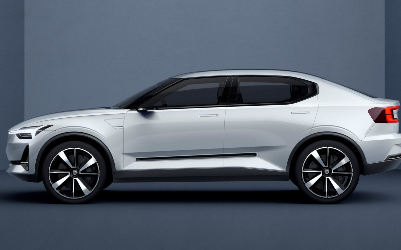 Volvo says its first all-electric vehicle is coming in 2019 with battery packs up to 100 kWh
