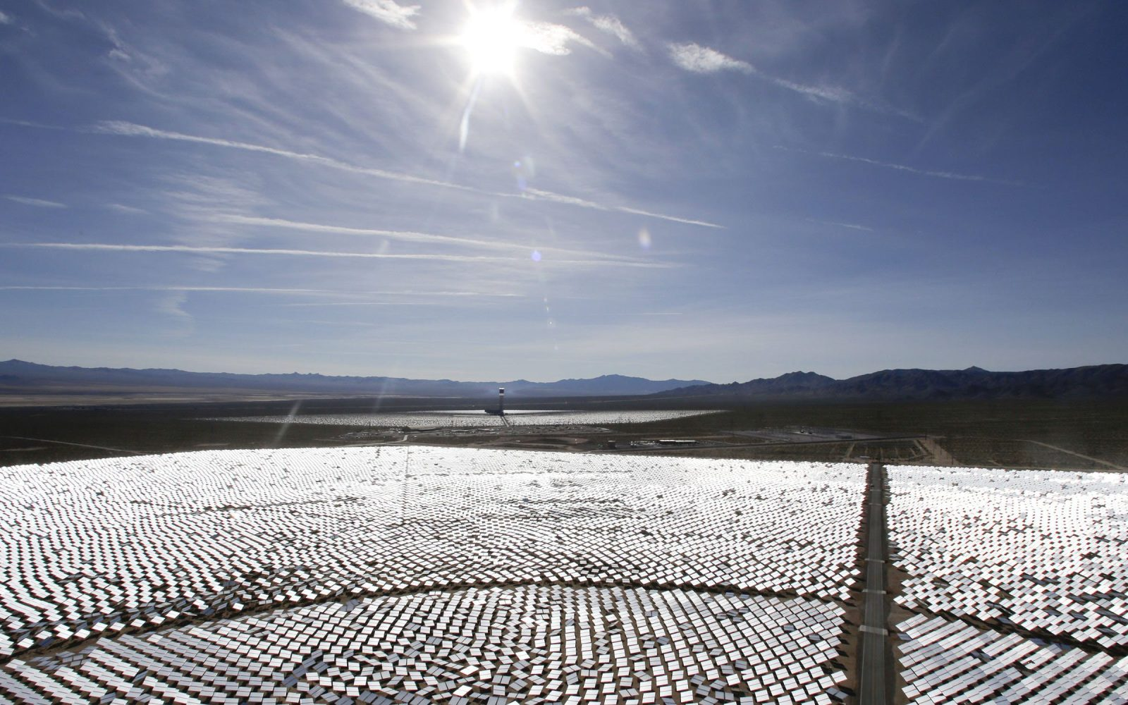 US Department of Energy wants electricity grid to be able to handle 100% mid-day peak solar power