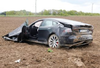 model s crash germany 8