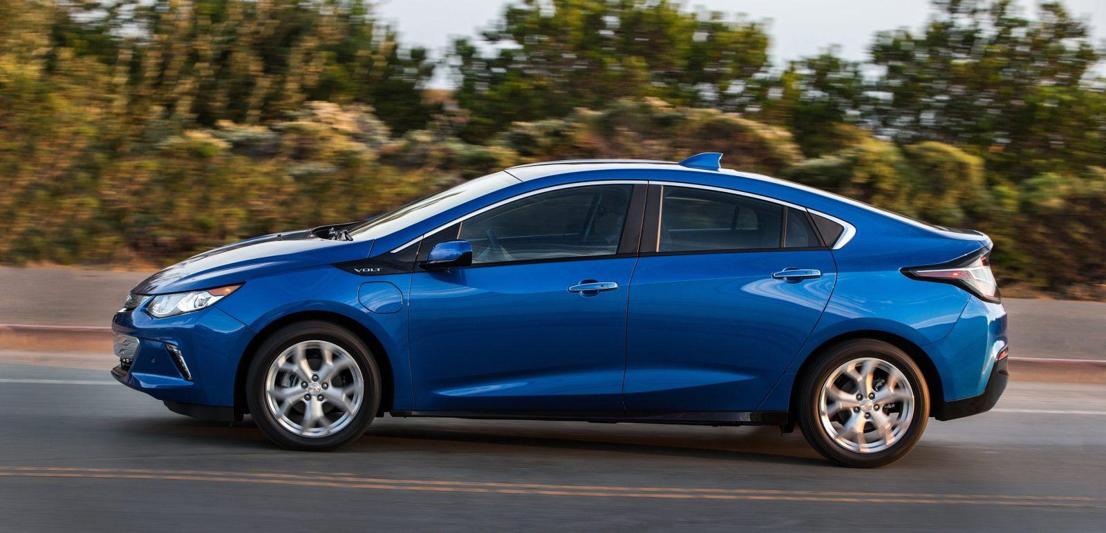car hybrid volt in all blue news comparison chevrolet book kelley test plug latest the