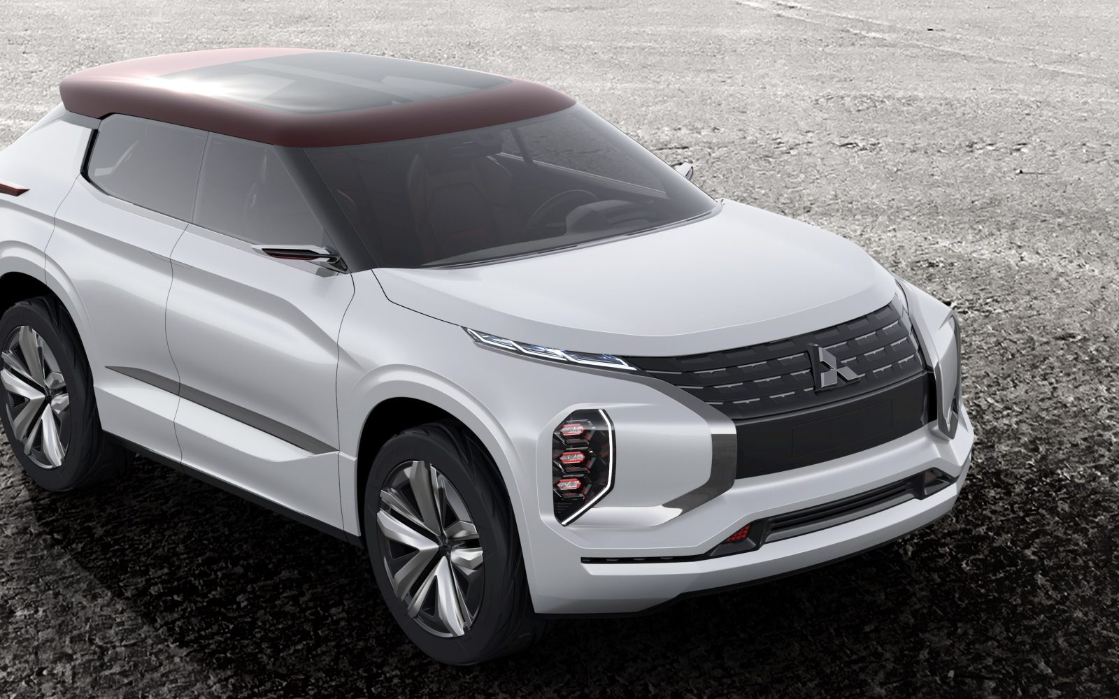 mitsubishi unveils new plug in hybrid suv with 75 miles. Black Bedroom Furniture Sets. Home Design Ideas
