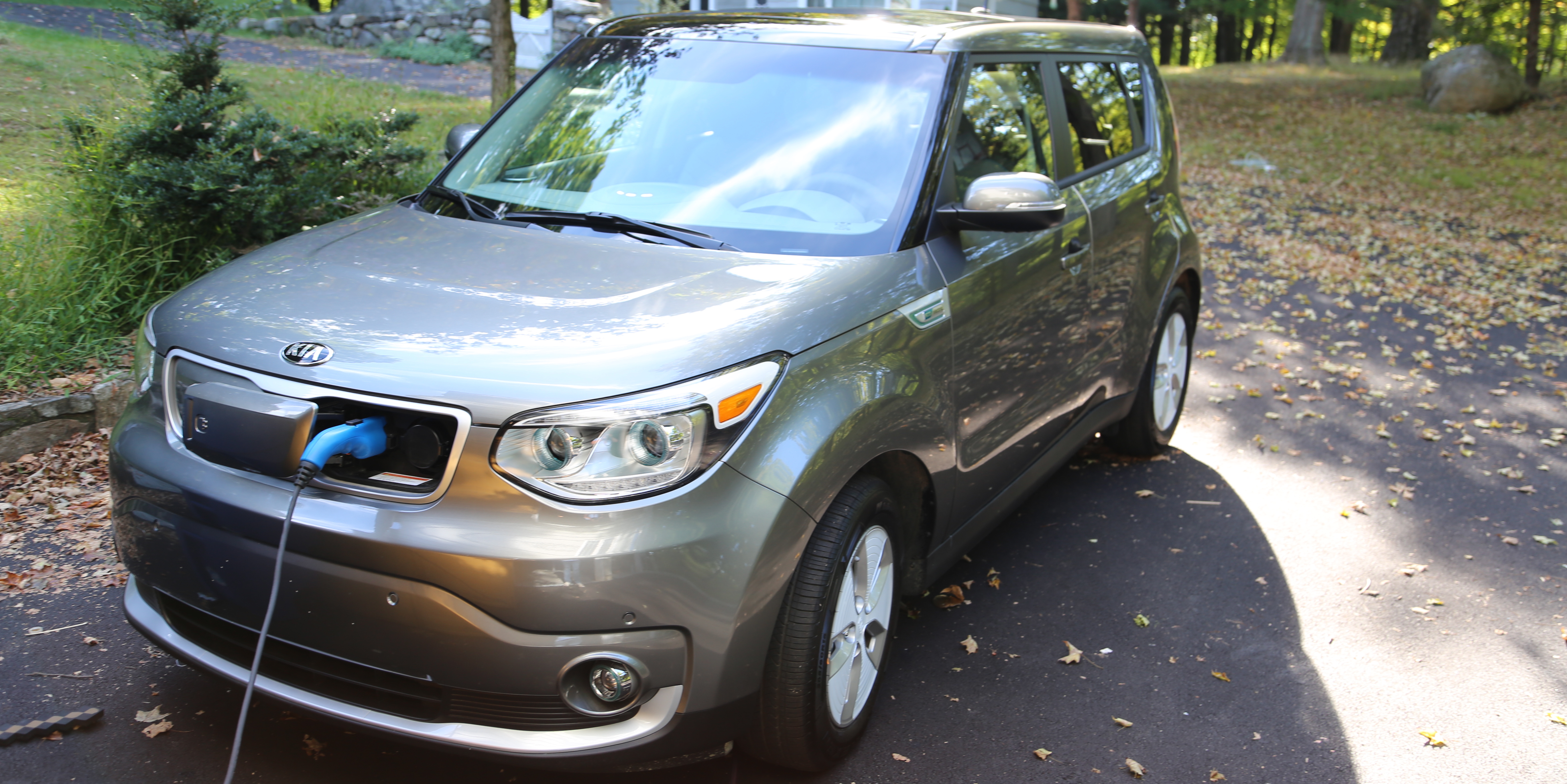 The Electrek Review: The Kia Soul EV Shows How Easy It Is To Do Electric