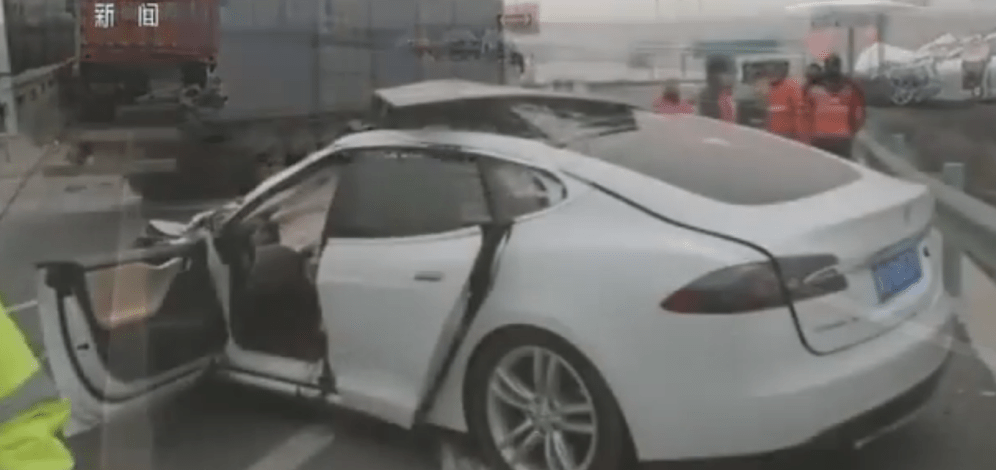 tesla-china-fatal-crash-5