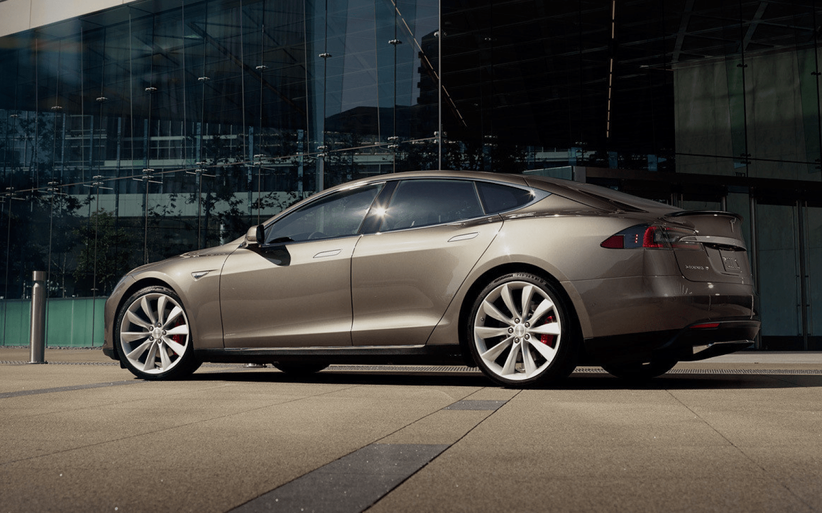 Tesla discontinues Titanium Silver Metallic and Solid White paint