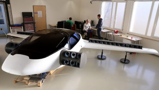 Electric VTOL aircraft are coming: money is flowing to