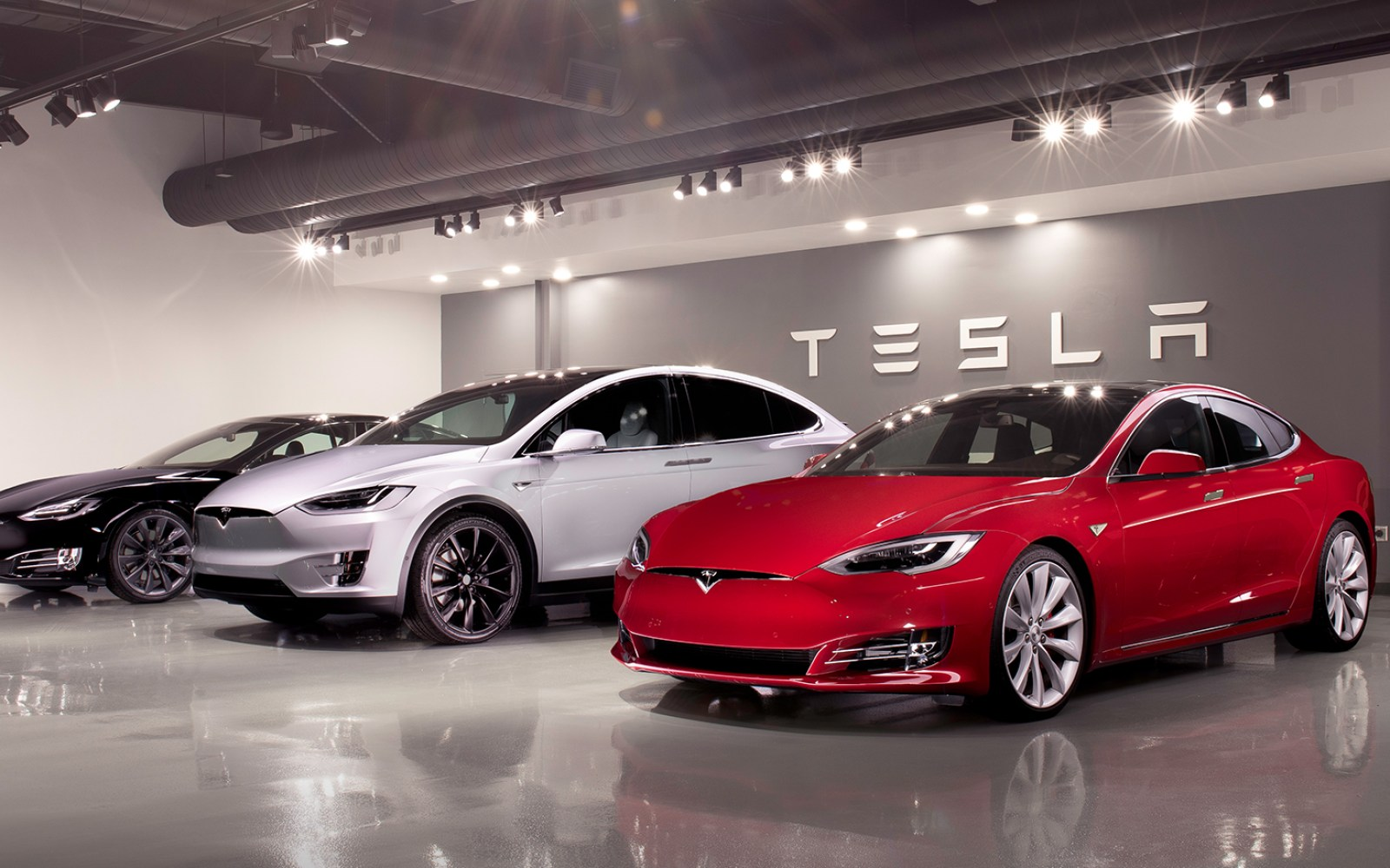 Tesla's used vehicles are selling faster and closer to list price than most cars, report says