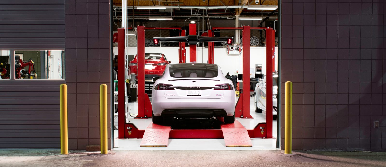 Tesla releases new body shop program standards and cost of