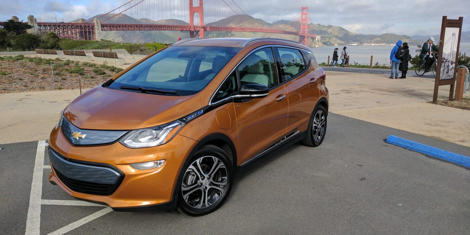 gm delivers record 2 000 chevy bolt evs bringing total to over 10 000 all electric cars [ 1600 x 800 Pixel ]