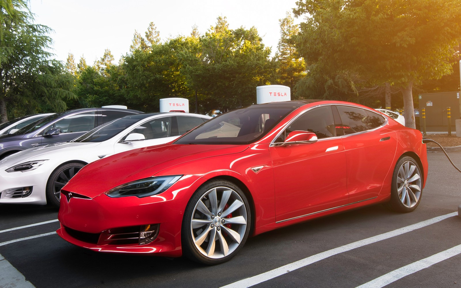 Tesla Superchargers Don T Need 8 Billion To Match Gas