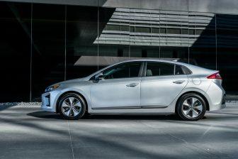 2017 Hyundai Ioniq EV (17)