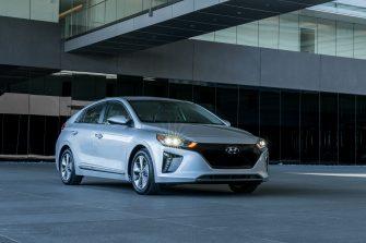 2017 Hyundai Ioniq EV (31)