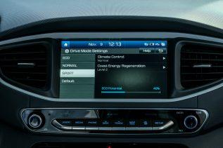 2017 Hyundai Ioniq EV (50)