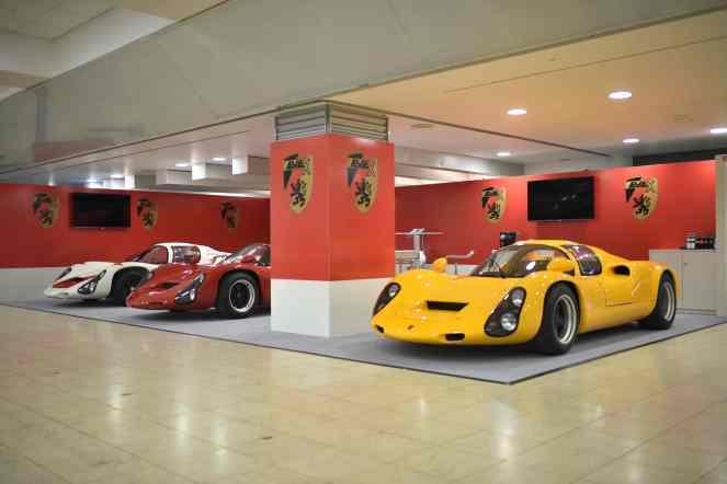 Porsche-910-und-EVEX-Porsche-910-und-Kreisel-EVEX-910e