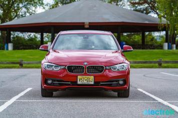 160 Electrek BMW 330e Hybrid 3 series sports sedan review