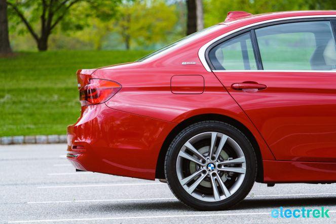 200 Hofmeister kink BMW 330e Hybrid 3 series sports sedan review