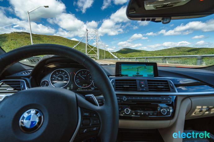 40 interior dashboard navigation system BMW 330e Hybrid 3 series sports sedan review-125