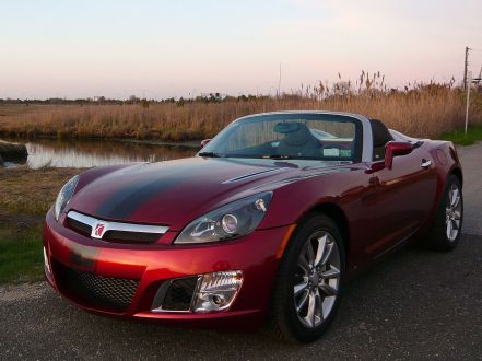 1280px-2009_Saturn_Sky_Redline_Ruby_Red_Limited_Edition