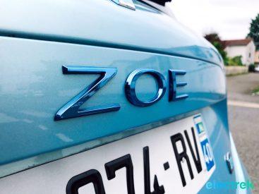 24 Renault Zoe Blue Turquoise Logo Lettering Electric Vehicle Battery Powered Green Electrek Best Selling EV Europe - 120