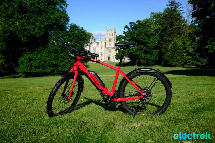 Lyndhurst Mansion Trek Super Commuter 8 Electric bike bicycle Electrek-108