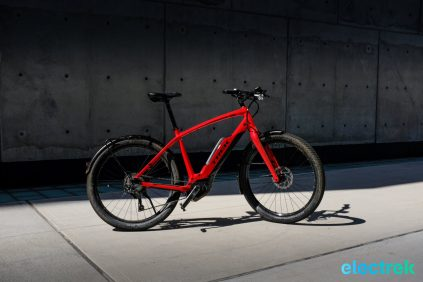 Manhattan NY Trek Super Commuter 8 Electric bike bicycle Electrek-114