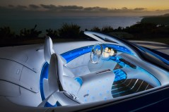 Mit dem luxuriösen Interieur des Vision Mercedes-Maybach 6 Cabriolet zeigt Mercedes-Benz eine neue Synthese von Intelligenz und Emotion. With the luxurious interior of the Vision Mercedes-Maybach 6 Cabriolet, Mercedes-Benz demonstrates a new synthesis of intelligence and Emotion.