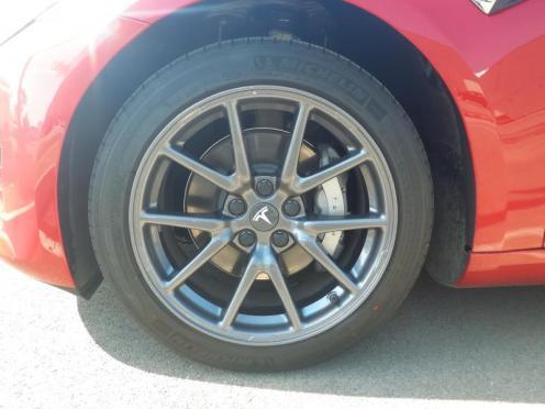 Model 3 18 wheels 1