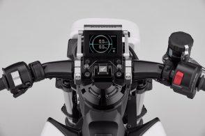 Honda introduces Riding Assist-e self-balancing electric motorcycle 5