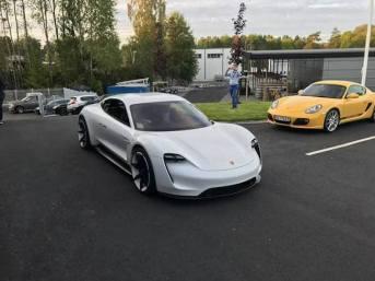 Porsche Mission E 15