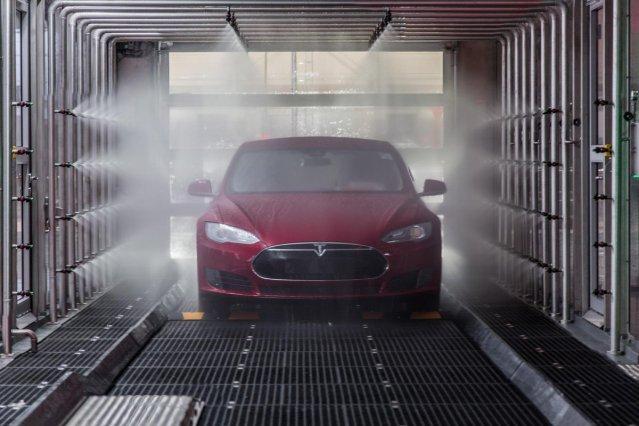 Tesla Tilburg 4