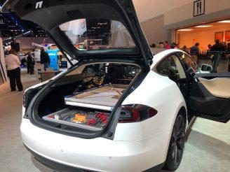 Tesla Model S mobile service 2