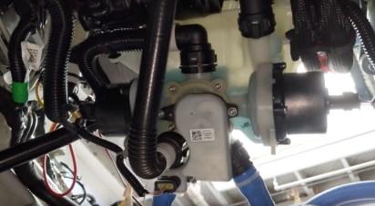 Model 3 cooling system reservoir assembly