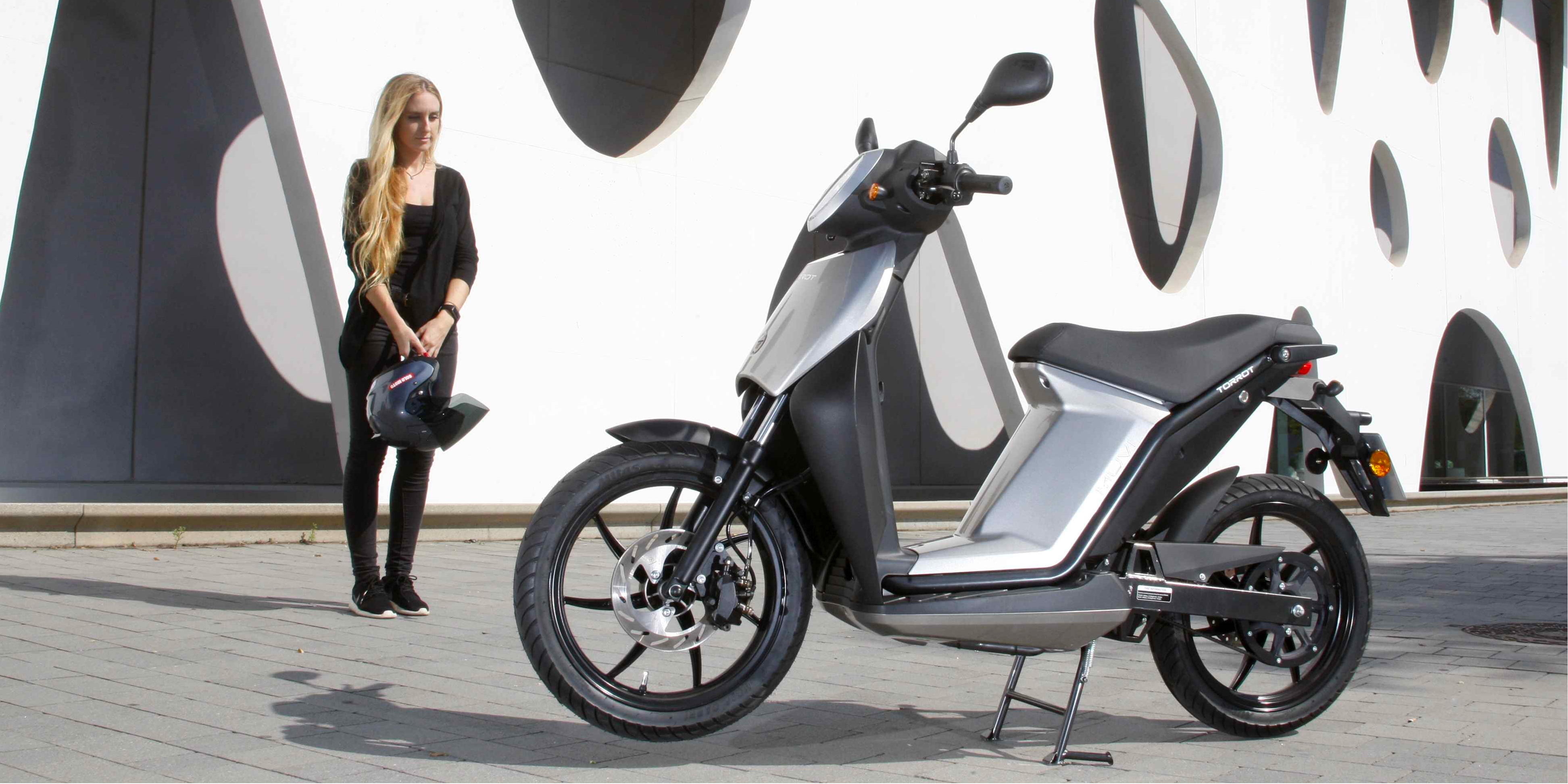 wheelchair rental new york swing chair newborn yorks first electric moped program is scooting