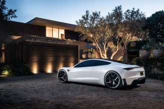 Roadster_Rear_3_4_House