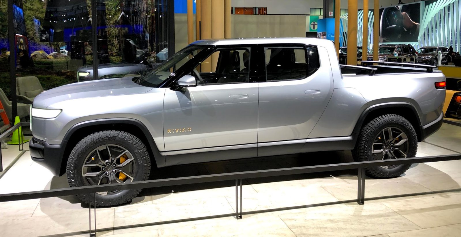 Closer Look At Rivian S R1t All Electric Pickup Truck And