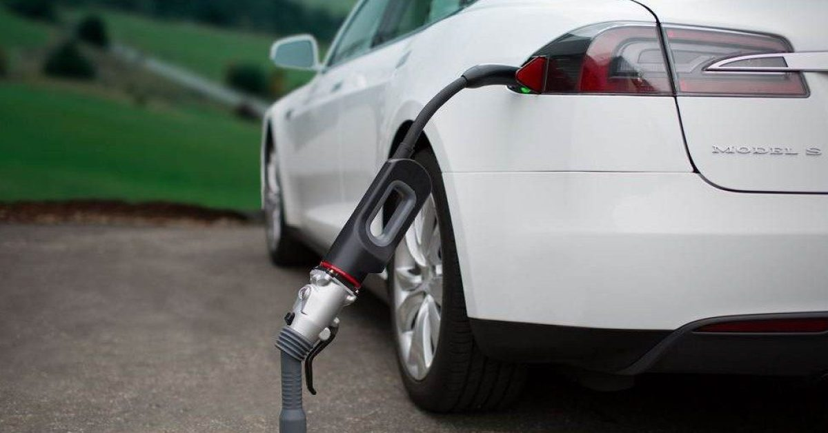Tesla finally makes CHAdeMO adapter compatible with Model ...