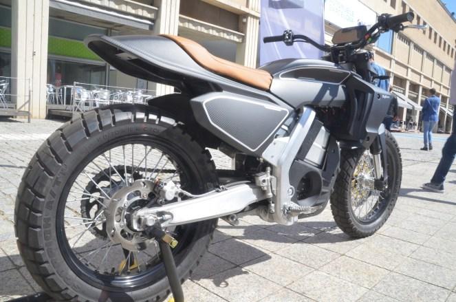 Пурсанг Bigbore электрический мотоцикл