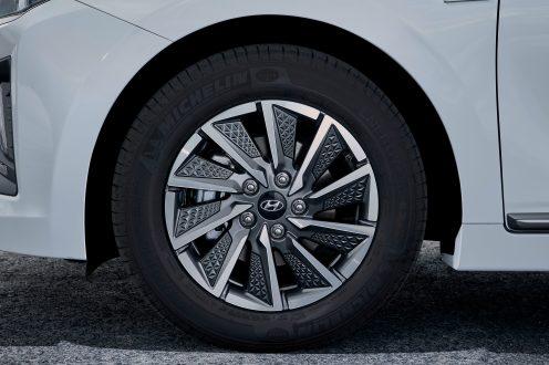 New Hyundai IONIQ Electric (21)