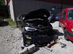 Tesla Model S crash Autopilot 2