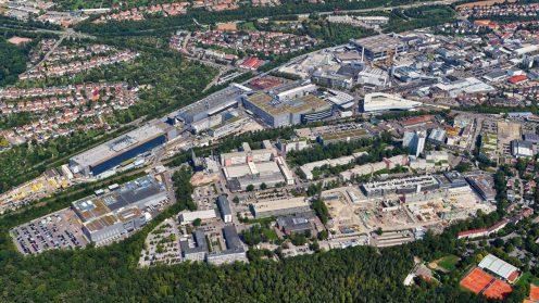 low_taycan_factory_zuffenhausen_2019_porsche_ag