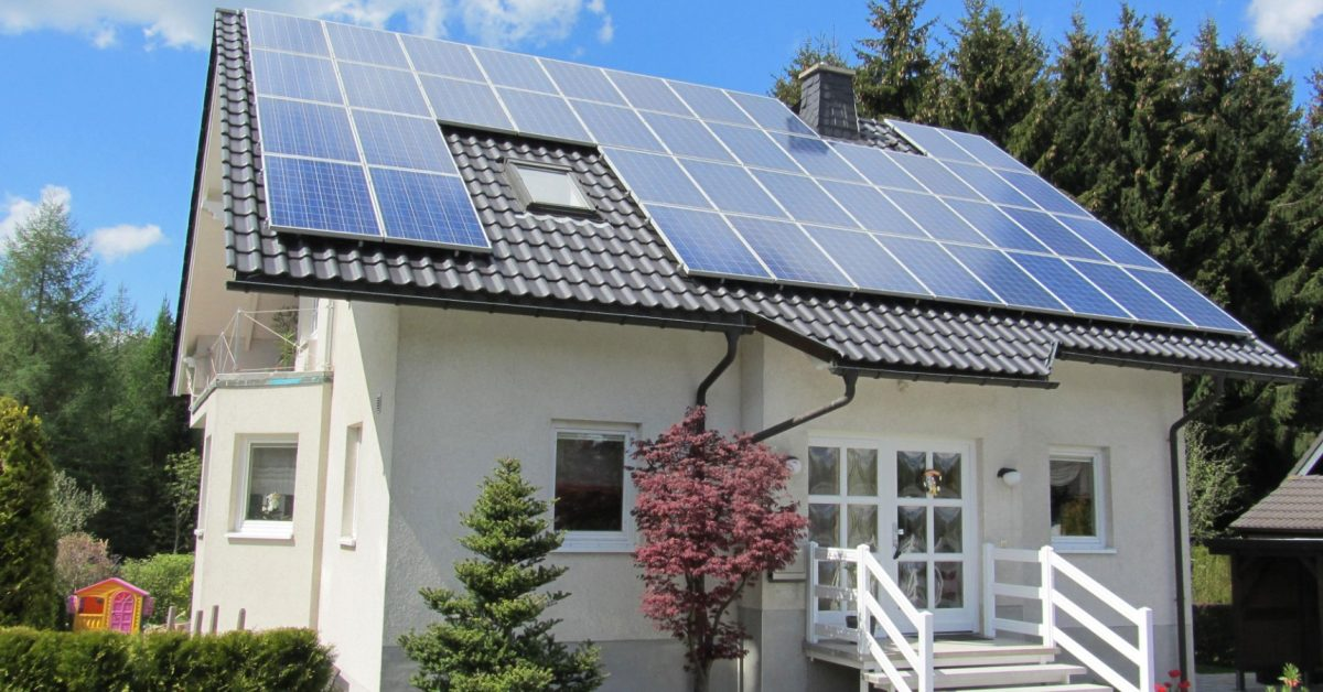 The US would save billions if local solar powered just 25% of homes - Electrek