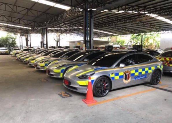 Tesla Model 3 police thai 1