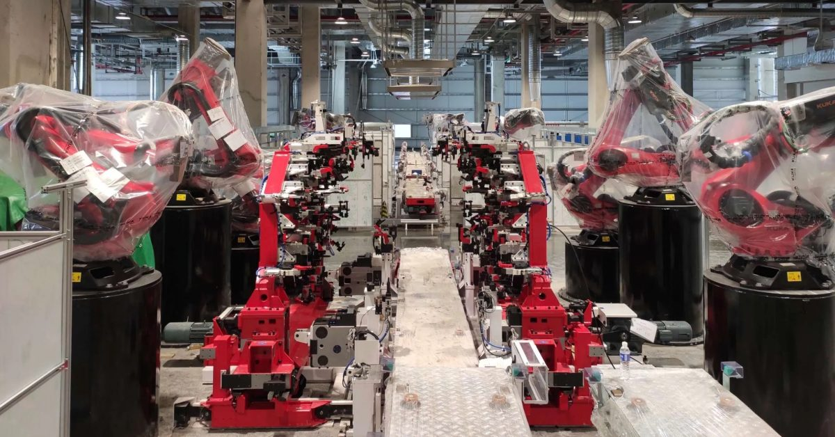 Tesla achieves annual run rate of 1 million electric cars – incredible milestone - Electrek