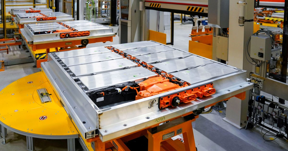 Volkswagen ramps up production to 600,000 battery systems per year - Electrek