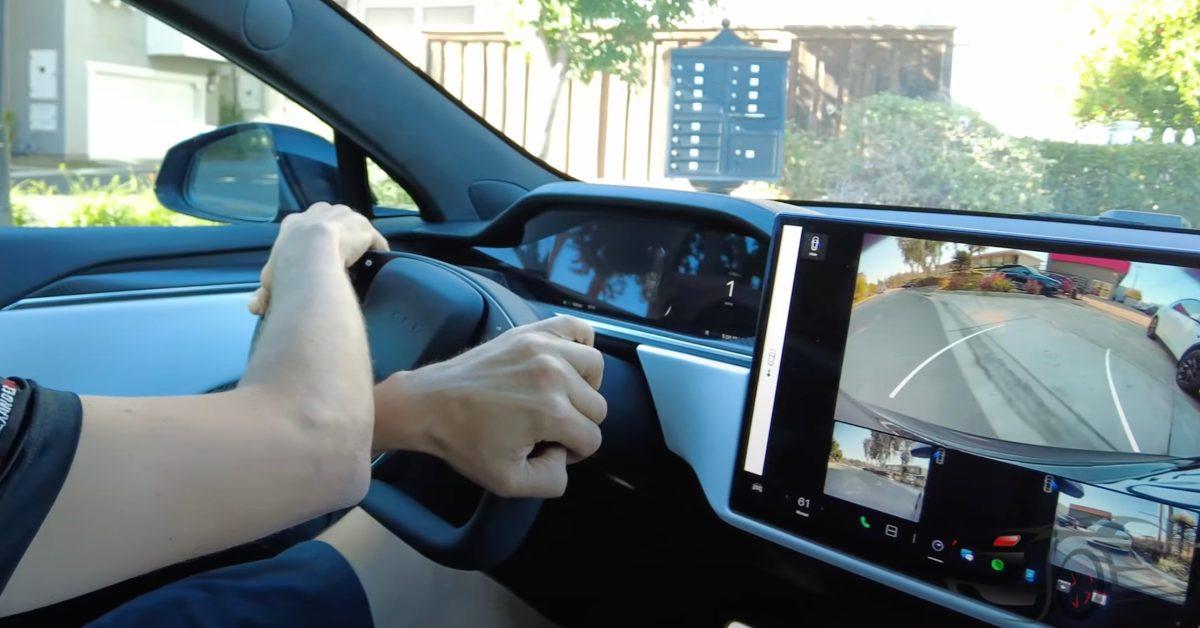 Elon Musk confirms Tesla will not offer a regular steering wheel on new Model S/X
