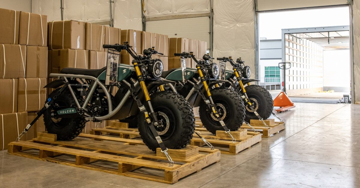US-made fat-tire electric motorcycle Volcon Grunt begins shipping
