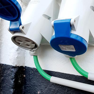 CEE 32A blue industrial electric socket - Hoe laad je een elektrisch voertuig op?