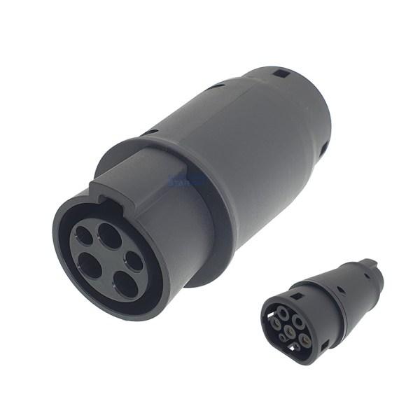 Adapter voor Type 2 voertuig naar Type 1 laadstation