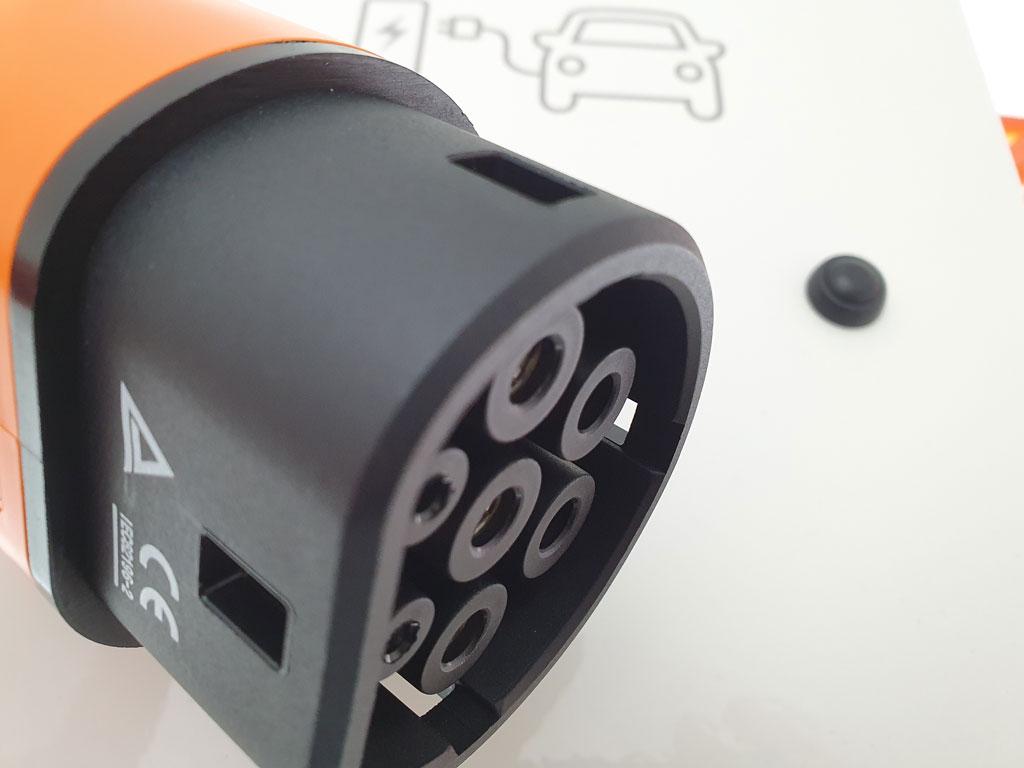 borne de recharge universelle pour vehicule electrique - Borne de recharge universelle